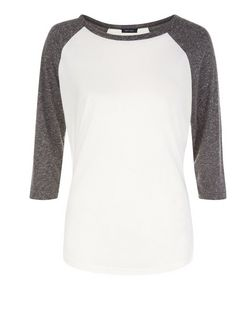Dark Grey Raglan 3/4 Sleeve Top  | New Look