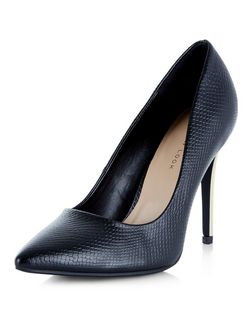 Wide Fit Black Pointed Metal Heel Court Shoes  | New Look
