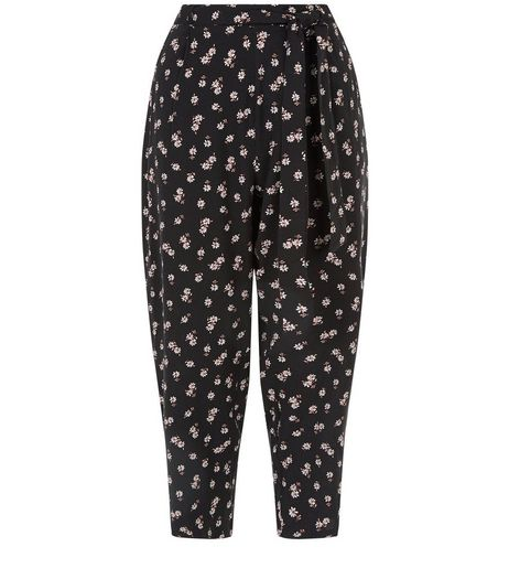 Black Ditsy Floral Print Cropped Trousers  | New Look