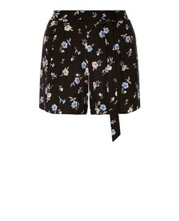 Black Floral Print D-Ring Belted Shorts  | New Look