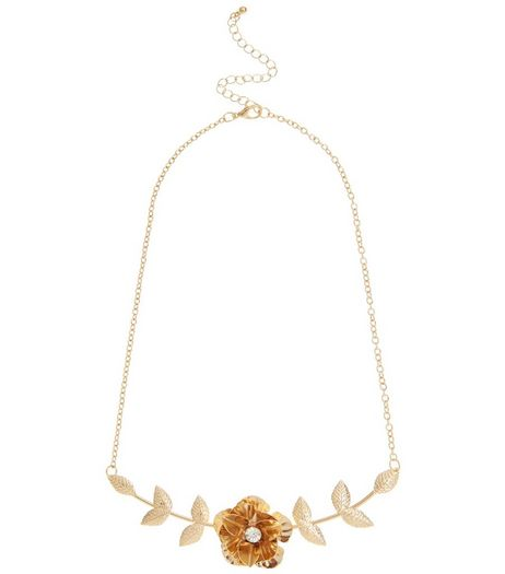 Gold 3D Flower Necklace | New Look