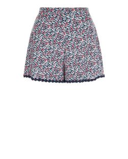 Teens Blue Ditsy Floral Daisy Trim Shorts | New Look