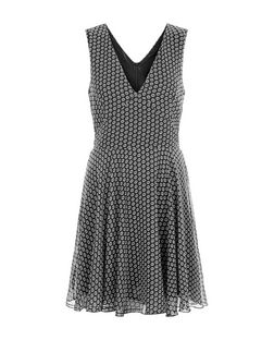 Mela Black Daisy Print V Neck Dress | New Look