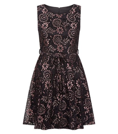 Mela Black Floral Print Lace Dress | New Look