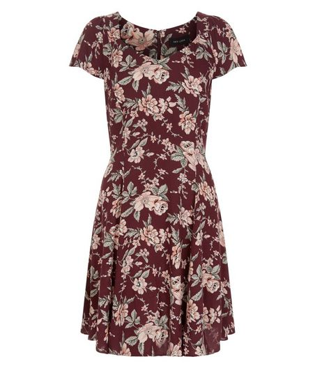 Burgundy Floral Print Tea Dress  | New Look
