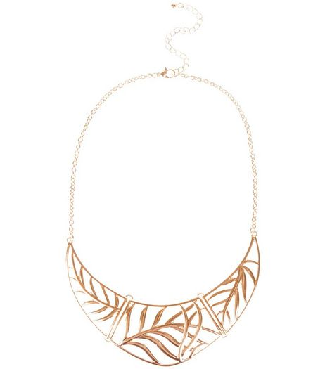Gold Leaf Cut Out Necklace | New Look