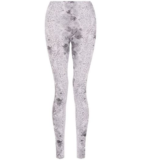 Cameo Rose White Snakeskin Print Leggings | New Look