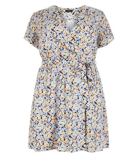 Curves Blue Floral Print Wrap Dress | New Look