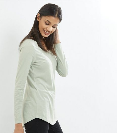Mint Green Long Sleeve Curve Hem T-Shirt | New Look