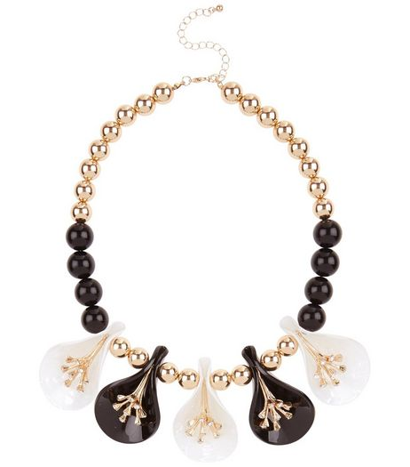 Black 3D Floral Necklace | New Look