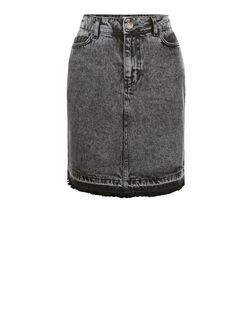 Black Acid Wash Fray Hem Denim Skirt  | New Look