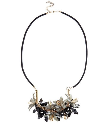 Black 3D Flower Necklace | New Look