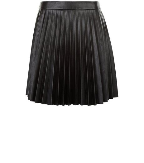 Petite Black Leather-Look Pleated Skirt | New Look