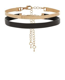 2 Pack Gold and Black Leather-Look Chokers  | New Look