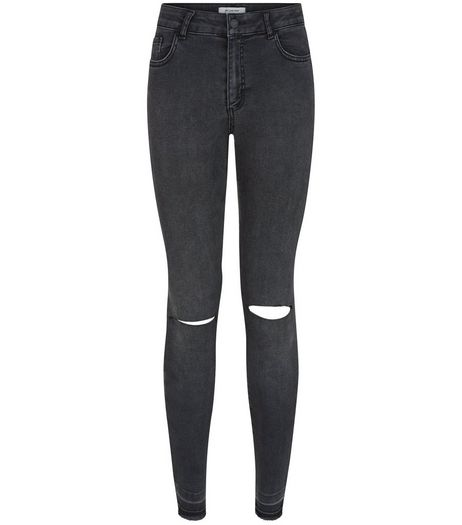 Petite Black Raw Hem Skinny Jeans | New Look