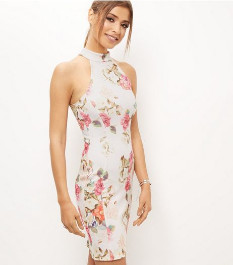 http://media1.newlookassets.com/i/newlook/383374619D1/womens/dresses/evening-and-party-dresses/white-floral-print-high-neck-bodycon-dress/?$plp_3_row$