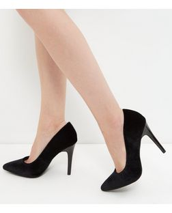Wide Fit Black Velvet Court Shoes | New Look