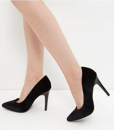 Wide Fit Black Velvet Pointed Court Shoes | New Look