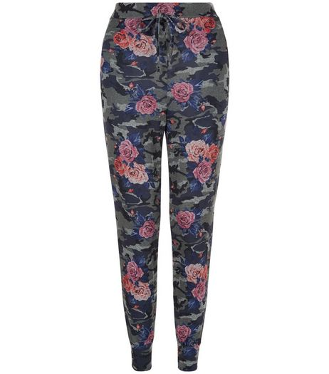 Cameo Rose Green Floral Camo Print Joggers | New Look
