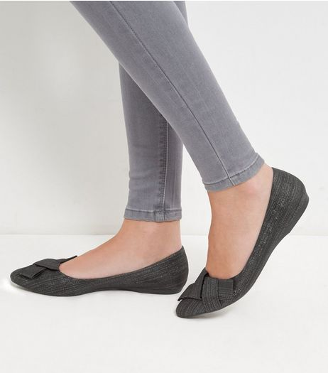 Black Shimmer Knotted Bow Front Pumps  | New Look