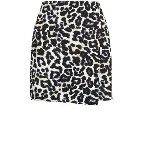Petite Black Animal Print A-Line Skirt | New Look