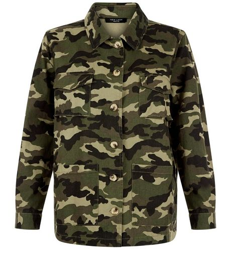 Petite Green Camo Print Jacket | New Look