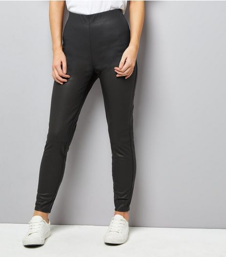Petite Black Leather-Look Leggings | New Look