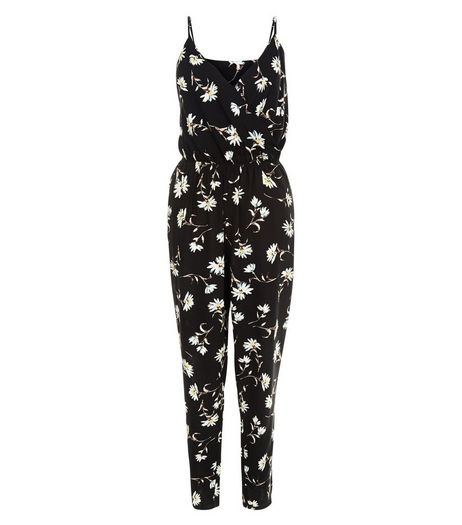Cameo Rose Black Daisy Print Jumpsuit | New Look