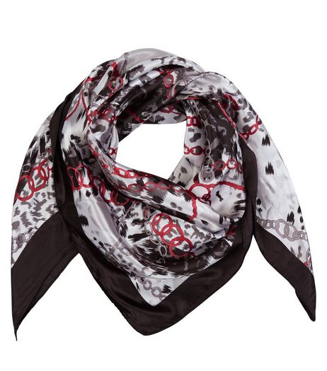 Black Chain Print Contrast Trim Scarf | New Look