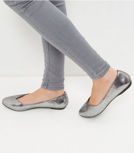 Wide Fit Silver Metallic Pointed Pumps  | New Look