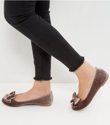 Wide Fit Light Brown Velvet Bow Ballet Pumps | New Look