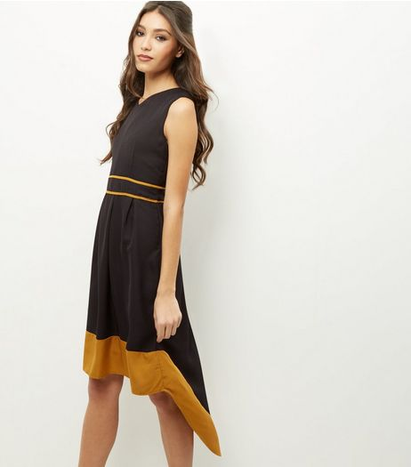 Mela Black Contrast Trim V Neck Dress | New Look