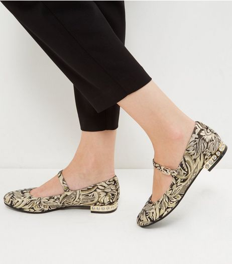 Gold Abstract Print Pumps | New Look