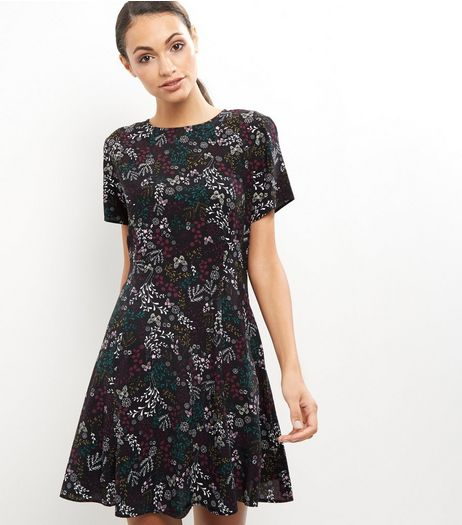 Black Floral Print Short Sleeve Dress  | New Look