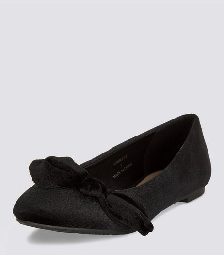 Teens Black Suedette Knot Front Pumps | New Look