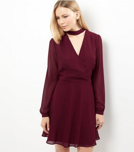 Burgundy Chiffon Choker Neck Wrap Front Dress | New Look