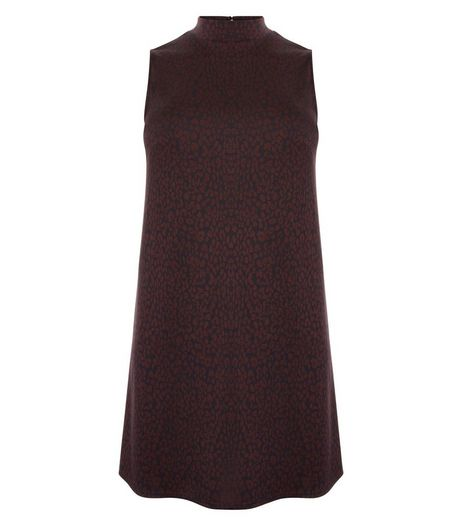 Curves Burgundy Jacquard High Neck Dress | New Look