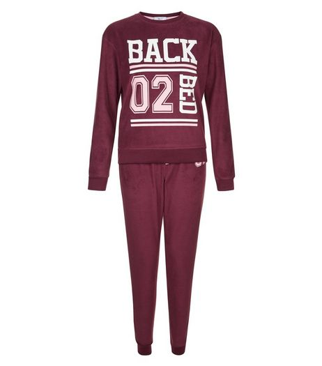 Teens Burgundy Back 02 Bed Print T-Shirt & Joggers | New Look