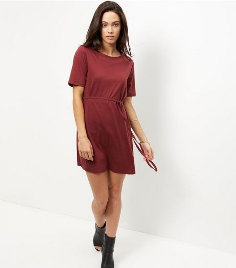 Burgundy Tie Waist Short Sleeve Tunic Dress | New Look