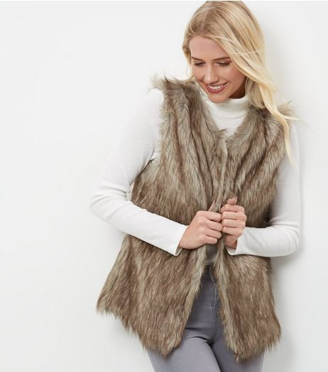 Mela Brown Faux Fux Gilet | New Look