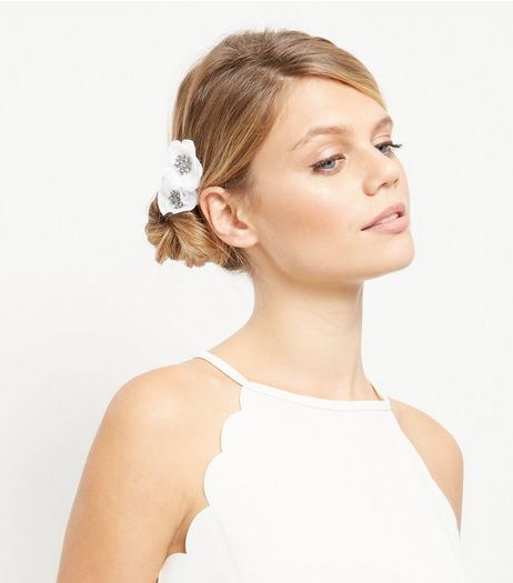2 Pack Cream Diamante Hair Clips | New Look