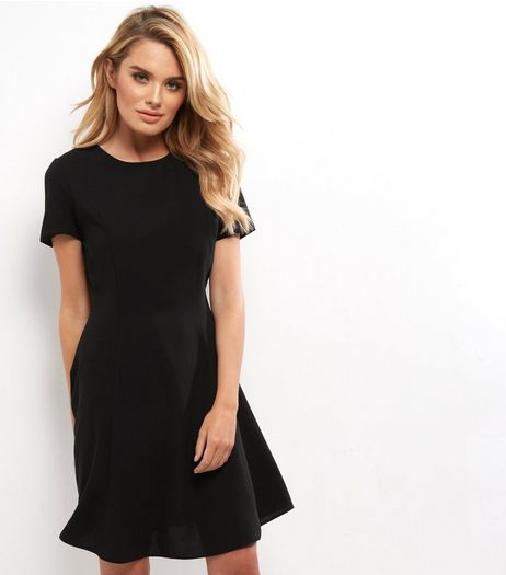 Black Short Sleeve Swing Dress | New Look