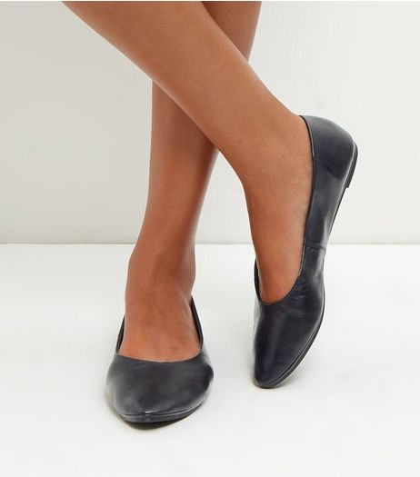 Black Leather Pointed Pumps | New Look