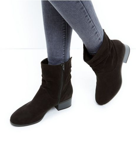 Wide Fit Black Suedette Zip Side Block Heel Boots | New Look