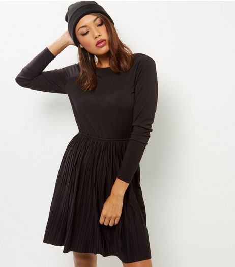 Black Pleated Scoop Back Mini Dress | New Look