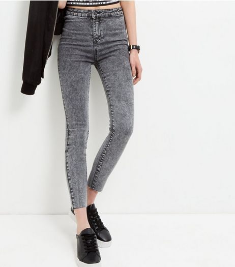 Dark Grey Acid Washed Skinny Fray Hem Jeans  | New Look