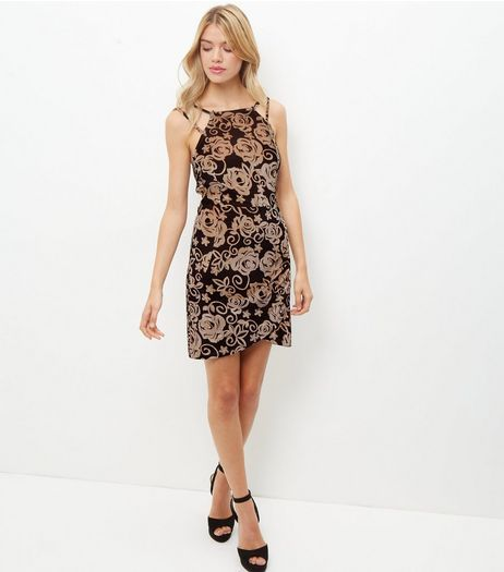 Black Rose Print Velvet Bodycon Dress | New Look