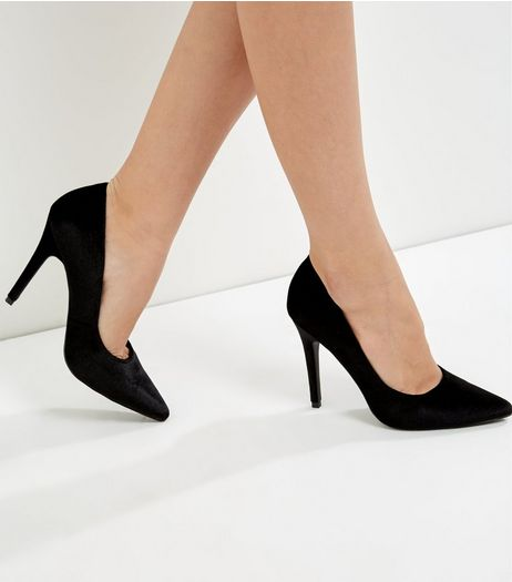 Black Velvet Pointed Court Shoes | New Look