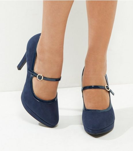 Wide Fit Navy Comfort Suedette Platform Court Shoes | New Look