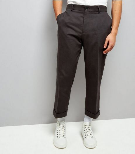 Black Cropped Turn Up Trousers | New Look